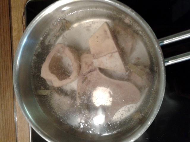 Calciumernährung (#9): Knochen kochen...